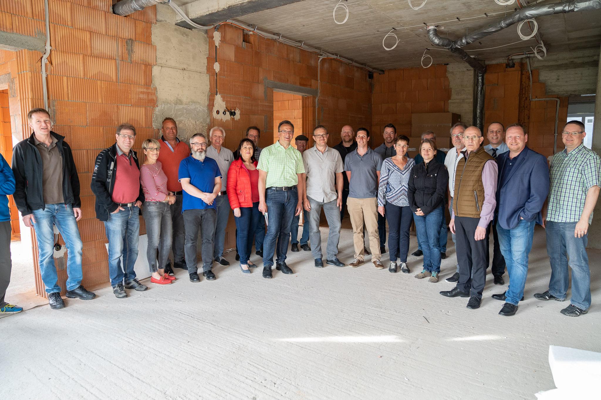 FWG vor Ort auf der Baustelle des Seniorenzentrums Elisabeth-Haus in Weibern